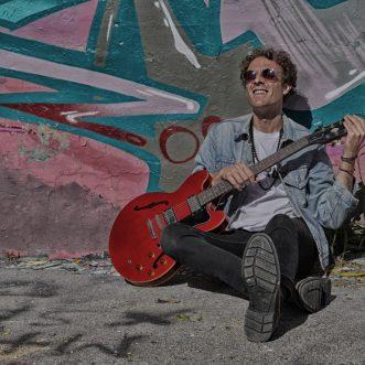 Oceano, nel suo nuovo singolo Marco Crepaldi ha trasformato in musica ciò che sente in pancia